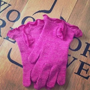 Accessories - Pink ruffle gloves